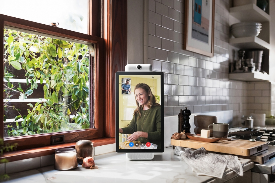 Facebook veut mettre un microphone et une caméra dans votre maison en utilisant Portal