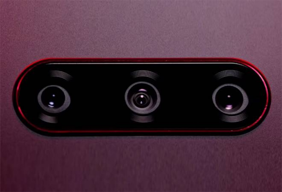 LG V40 ThinQ est le premier téléphone au monde à prendre des images grand angle